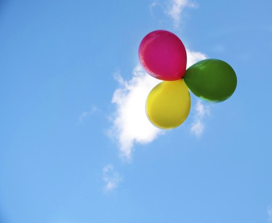 3 Balloons