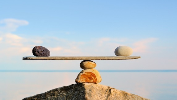 Balancing Speed and Safety in Pharma Regulatory