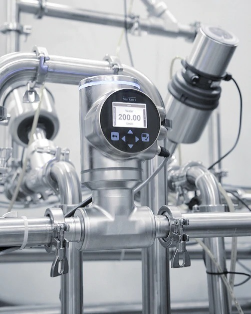Improving Safety in Pharmaceutical Production with Hygienic Flow Measurement