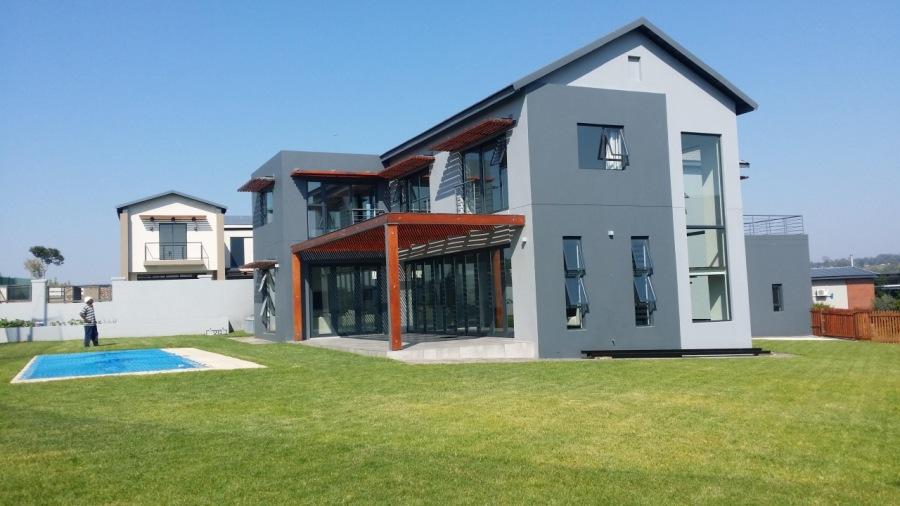 House Chidi, Copperleaf Golf Estate, South AfricaKITCHEN     Fe   1 N NY ib STH NY sty pss pews es \                          : § ol  Bl a  vie 8  SB oT  75° g S oO oc OS  PHASE 1