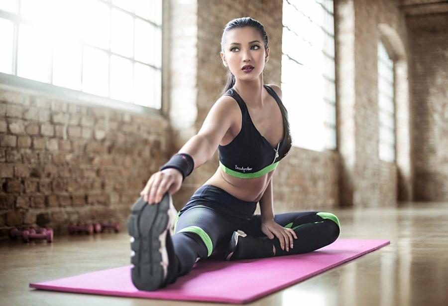 CURSO ONLINE DE INTRODUCCIÓN AL YOGA. 👌Clases online de yoga en directo.