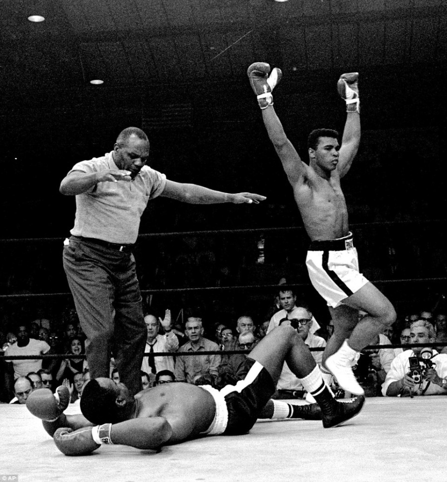 Float Like A Butterfly: The Poetic Life Of Muhammad Ali== hes -~ Ed BE) ~ — SHEE = Sl— lo l= = [=J = od = -— SE = — mm —  AEE = = = — = P= Tr