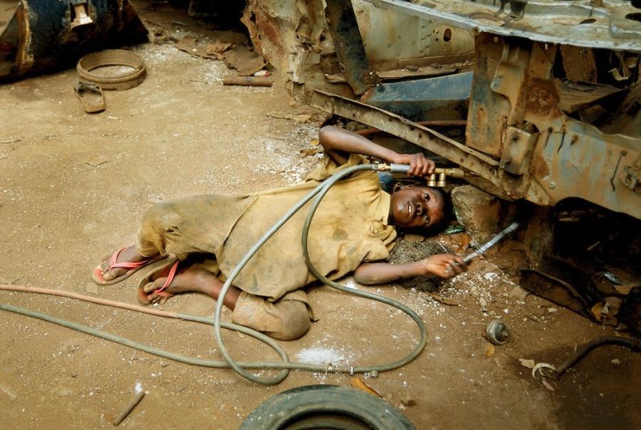 TRAFFICKING CHILDREN & 21ST CENTURY SLAVESTHE AVERAGE AGE OF A TRAFFICKING VICTIM IS  12005