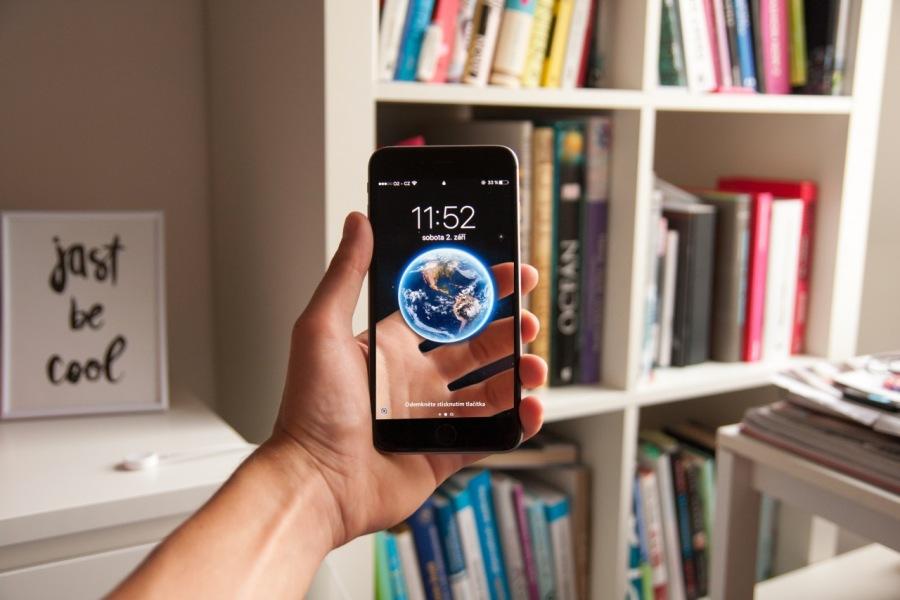 ¿Somos adictos al teléfono móvil?