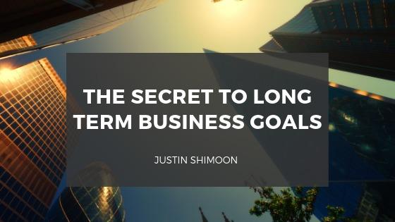 THE SECRET TO LONG i TERM BUSINESS COALS . ©     EYETV
