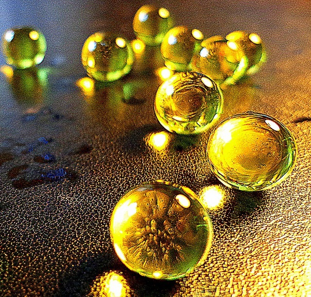 Pearls of honey bubbles
