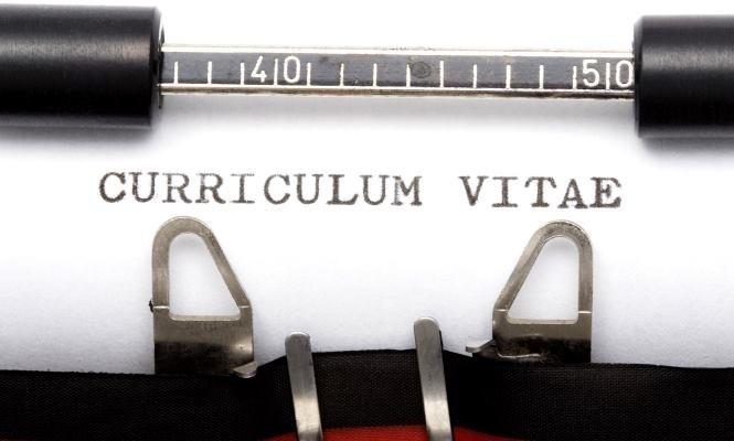 Tu currículum no sirve para encontrar trabajoHEART EEN     CURRICULUM VITAE §